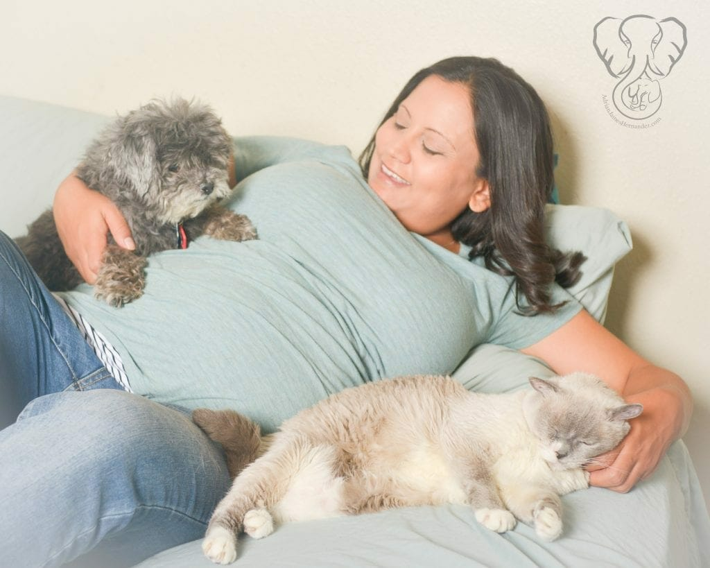 Maternity Photo with Saki and Amy Anne