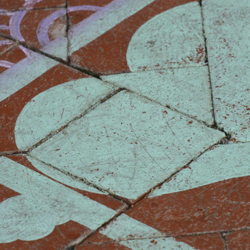Street art of a heart in San Francisco, California (Miranda Hernandez)